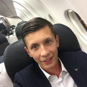 Jaroslaw Szymczak reser alltid till kunderna